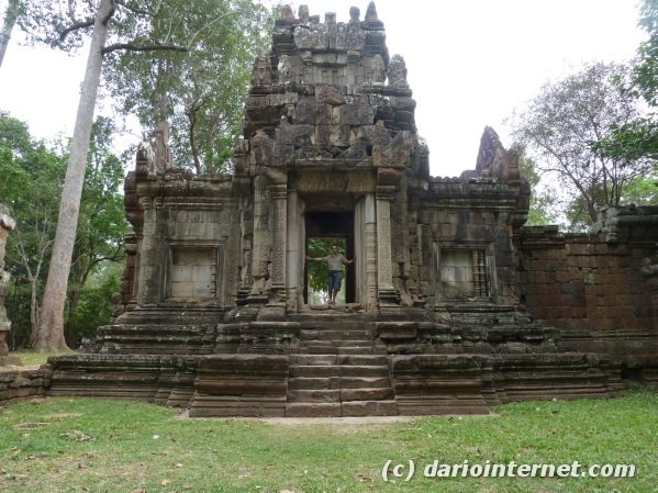 tr_angkor_0367_elephant
