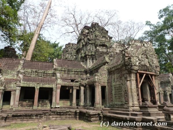 tr_angkor_0380_ruins